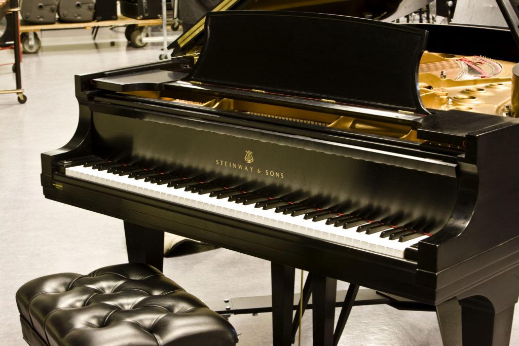 Steinway & Sons, piano de cola