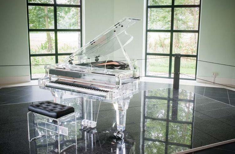 El Crystal Piano de Hentizman es exclusivo y el modelo mas largo