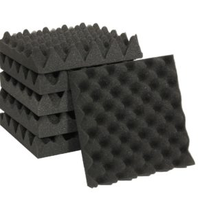Insonorización de habitacion con paneles de espuma
