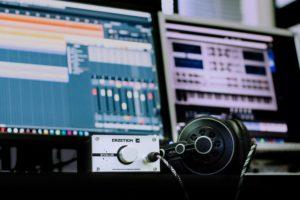 En ese articulo te explicamos como grabar musica desde tu casa