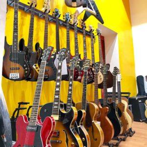 Musicx presenta una amplia oferta de guitarras electricas en Madrid