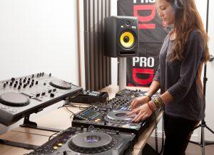 Cómo elegir altavoces para DJ