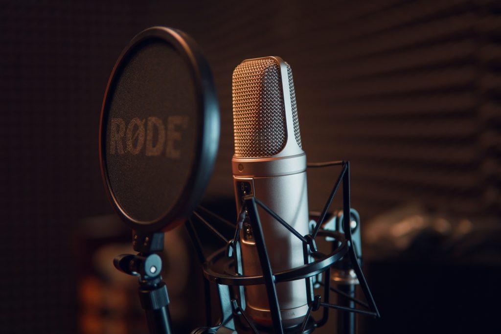 micrófono rode condensador estudio grabación