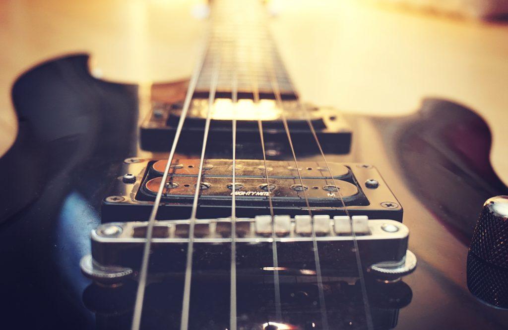 guitarra cuerdas nylon tripa